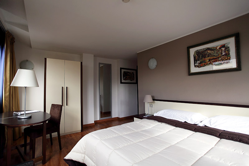 Rooms & Services - Hotel Cristal Palace Palermo