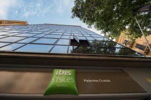 ibis-styles-palermo-cristal-insegna